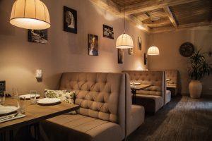 Tranh đẹp trang trí nhà hàng tại Nhà Bè